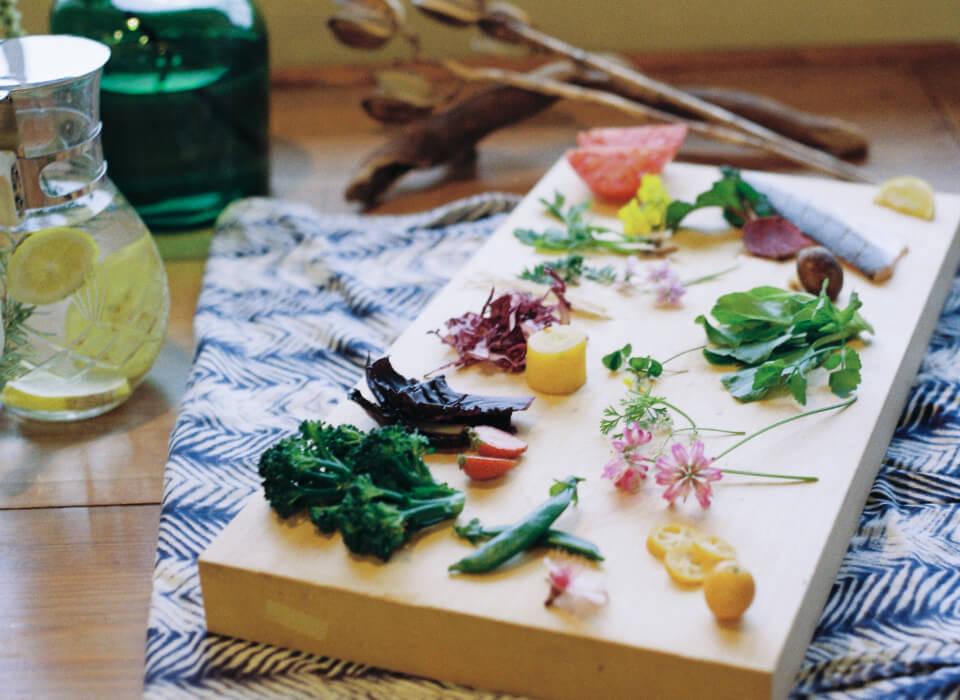 島の四季折々の素材でつくるやさしいアーユルヴェーダ料理